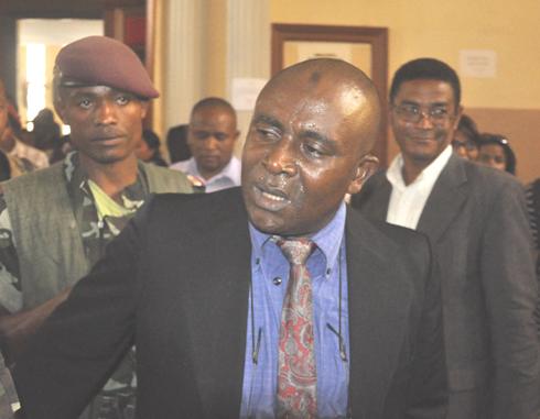 Détenus politiques : Col Coutiti gravement malade, Sergent Manou Soja paralysé à Tsiafahy