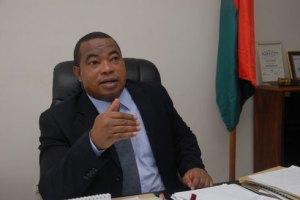 Le ministre Anthèlme Ramparany prône la tolérance zéro contre les trafiquants de bois de rose.