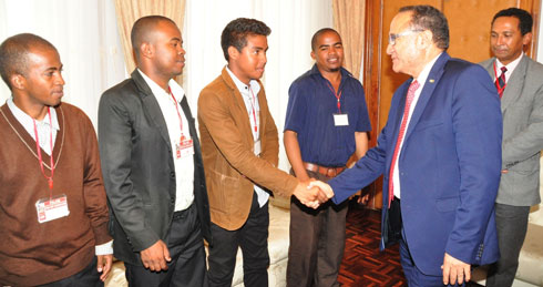 Crise universitaire : Le PM Kolo Roger désamorce la bombe