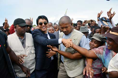 Andry Rajoelina : « Foule contact » dans le Sud-Est