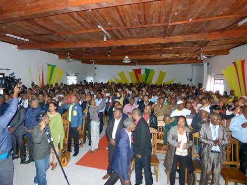 Leader Fanilo : Le conseil national pour une alternance positive
