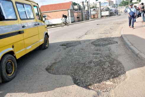 Réfection des rues de Tana : Travaux mal faits, 16 entreprises  contraintes à la reprise des chantiers