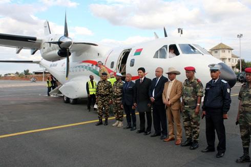 « Velirano » présidentiel : Un avion de transport de troupes et trois hélicos débarquent à Ivato