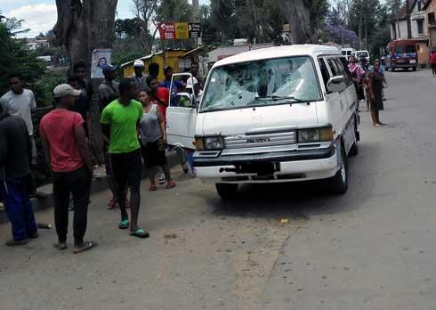 Ambohimiandra : Nirombo ny taxi-be sy ny mpandeha