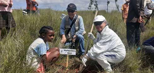 Relations nippo-malgaches : Reboisement de 2 500 jeunes plants à Sakay