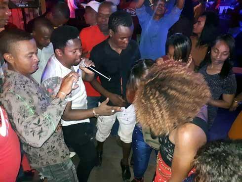 Bonara-be : Jerry Marcoss fait danser son public