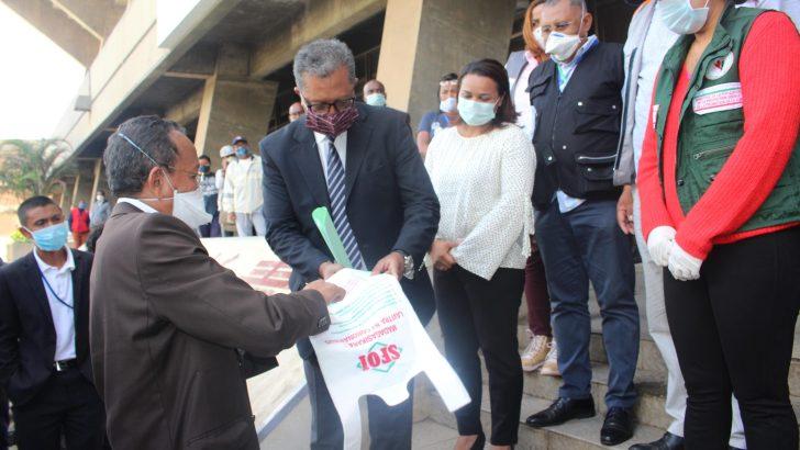 Lutte contre covid-19 : Don de sachets en plastique biodégradable de la SFOI
