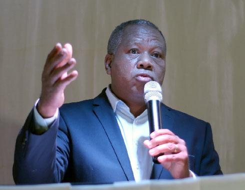Lutte contre le coronavirus : « Echec total du régime », selon Roland Ratsiraka
