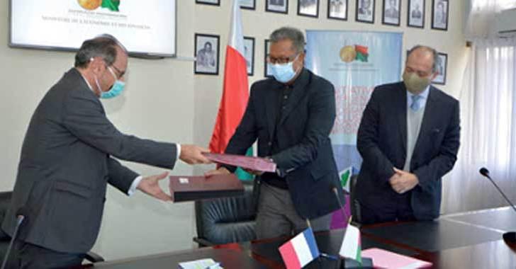 """AFD-Afrique: 1,2 milliards d'euros pour l'initiative """"Covid-19 – Santé en commun"""""""