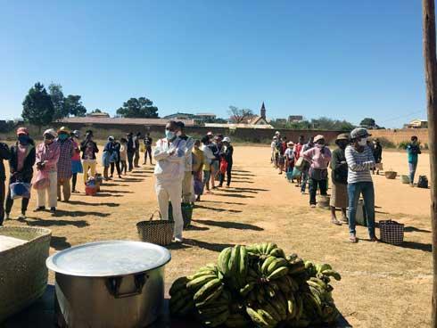 « Tohan'Aina » de l'ONG Soatoavina : 1 000 repas gratuits pour les seniors d'Ambohitrandriamanjaka