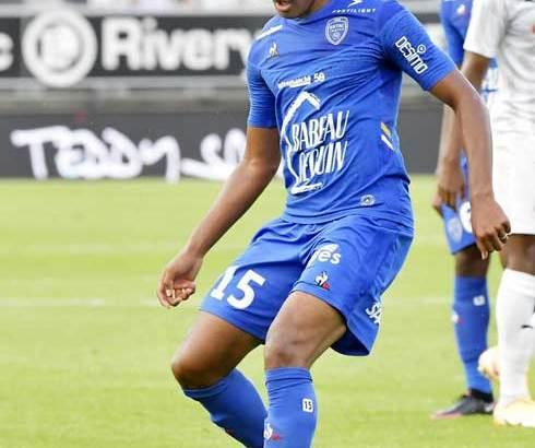 Football – ESTAC : Une belle opportunité à saisir pour Rayan Raveloson