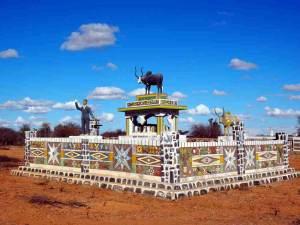Patrimoine :Les tombeaux Mahafaly désacralisés