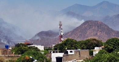 2 Aeronáves de la Policía llegan a apagar incendios en la Sierra