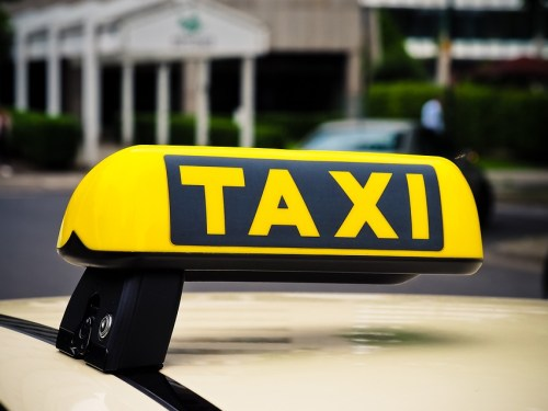 What Are the Benefits of Booking a Cab Online?