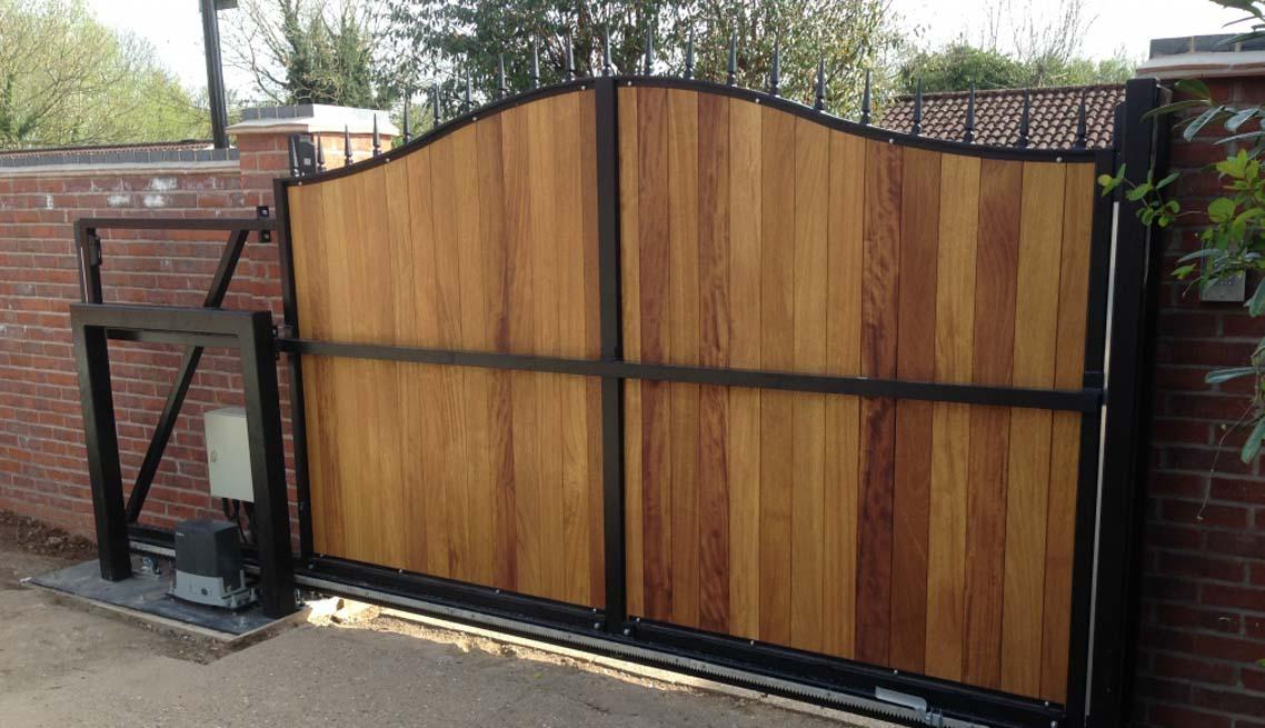 cantileaver-sliding-gate-residential