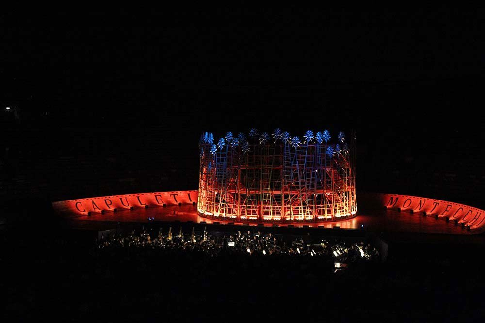 One thing you should not miss in the city of Romeo & Juliet is a visit at the opera in Verona. The arena di Verona & how to enjoy music in this unique setting.