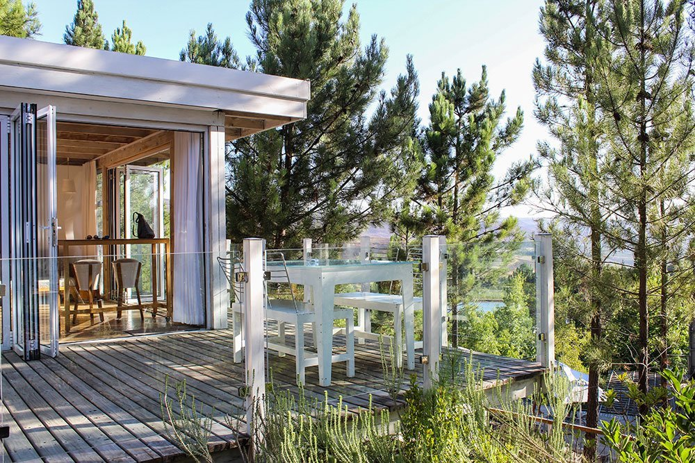 Need a perfect destination for a little weekend getaway from Cape Town? Look no further than Elgin where you will find the Old Mac Daddy lodge.