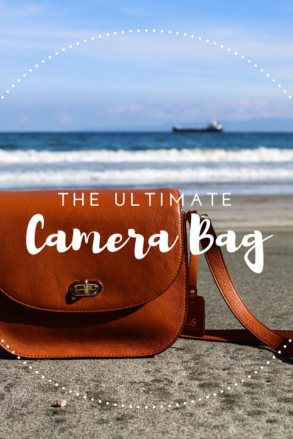 About to give up on finding a stylish camera bag? Don't because I just found one! Let me introduce you to Lo & Sons' Claremont, the ultimate camera bag.