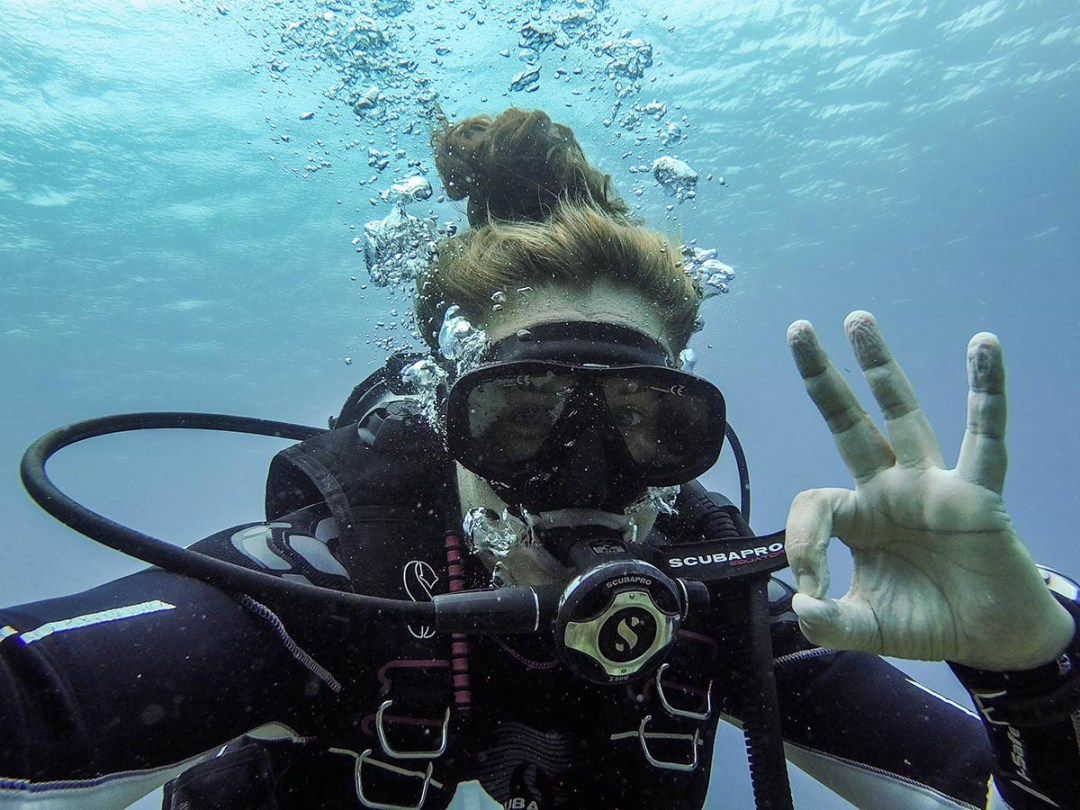 Ever thought of doing a PADI divemaster in Koh Tao, Thailand? Some honest thoughts and advice about my experience with it.