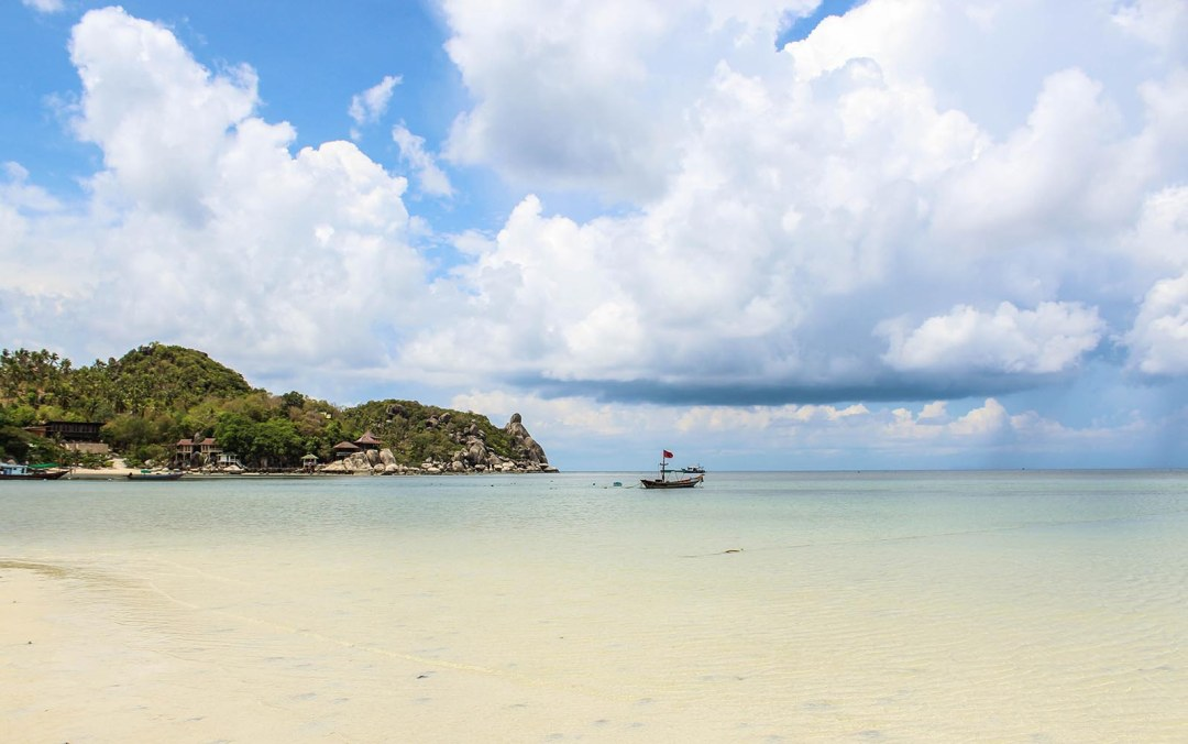 Koh Tao diving is the perfect place to learn scuba diving in Thailand. Tips & tricks that will just leave you wondering why Arielle would ever want to leave this world...