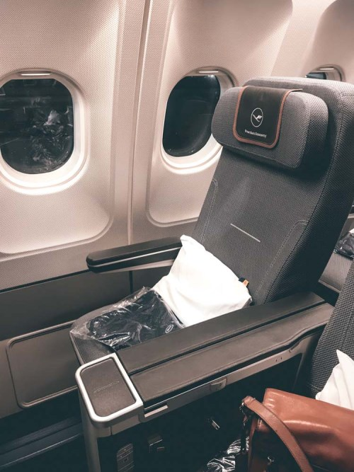 Do you need some more comfort flying around the world? Read my Lufthansa Premium Economy review for a flight from Frankfurt to Cape Town, the ins & outs and if it is worth the price difference.