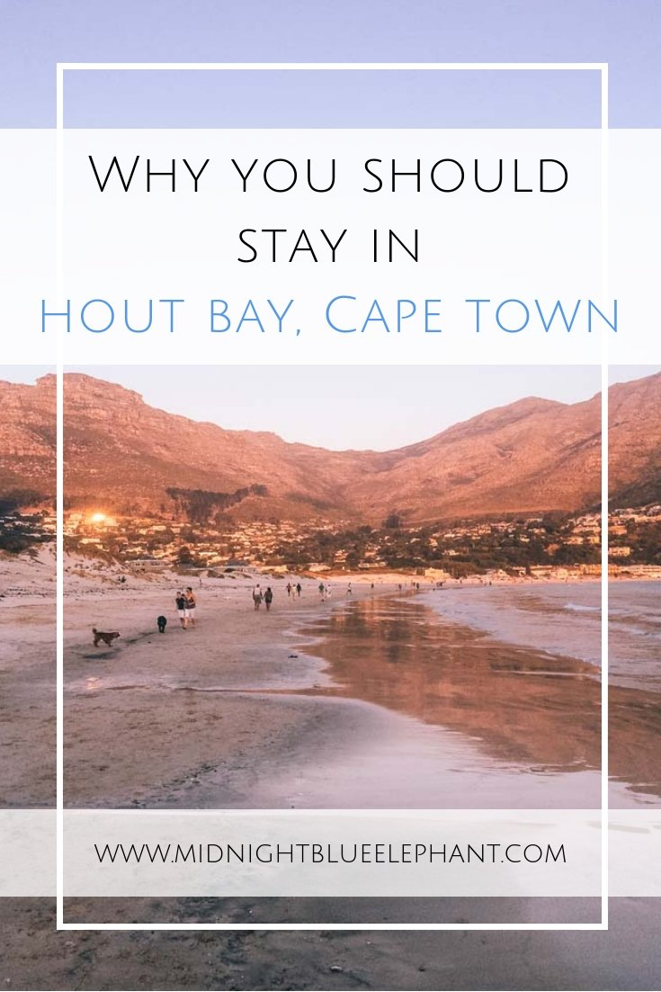 Looking for a unique place to stay and explore during your Cape Town holiday? Check out Hout Bay, Cape Town, a seaside suburb with stunning nature, a lively fishing harbor and residential area without masses of tourists.  Read more on where to stay in Hout Bay, what to do and where to find some of the best restaurants in Cape Town. #houtbay #capetown #southafrica