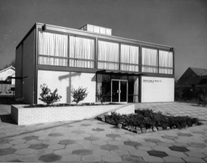 Union Bank. Union Bank  on Mt. Meigs Road was designed by Sherlock, Smith, and Adams in the late 1950s. Photo courtesy of SSA