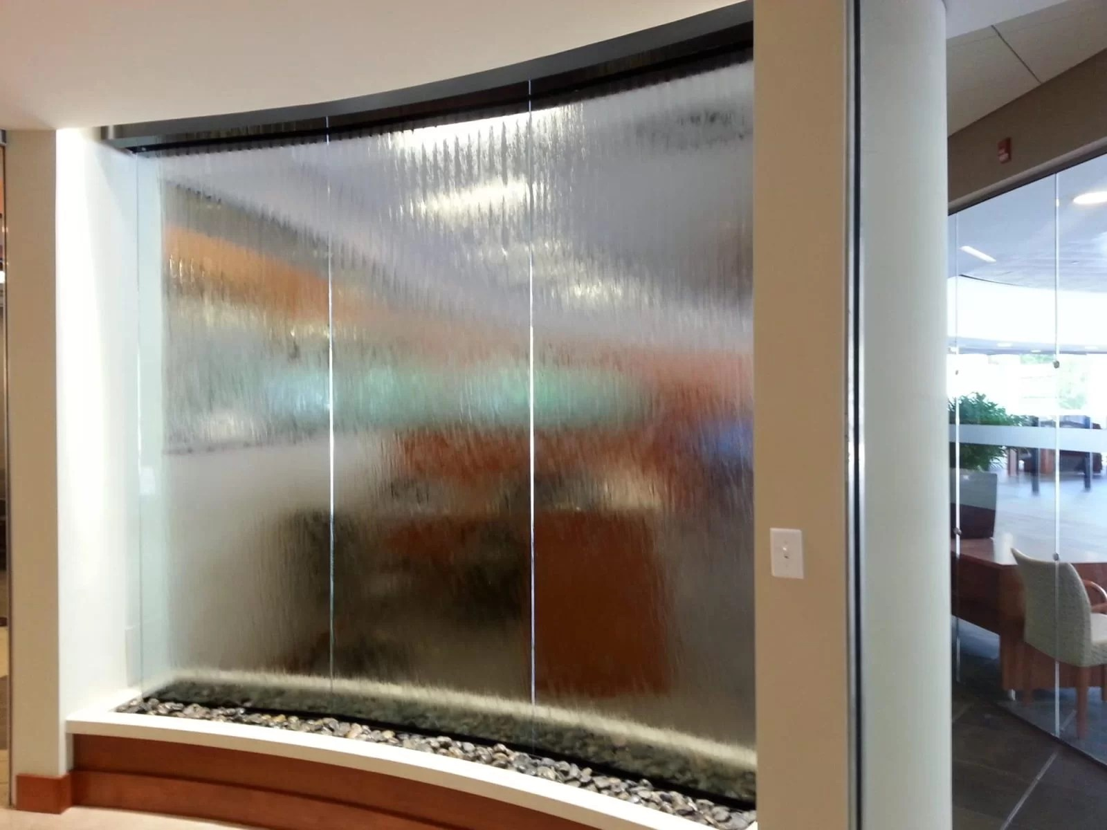 Glass Water Wall at Hennessy Lexus
