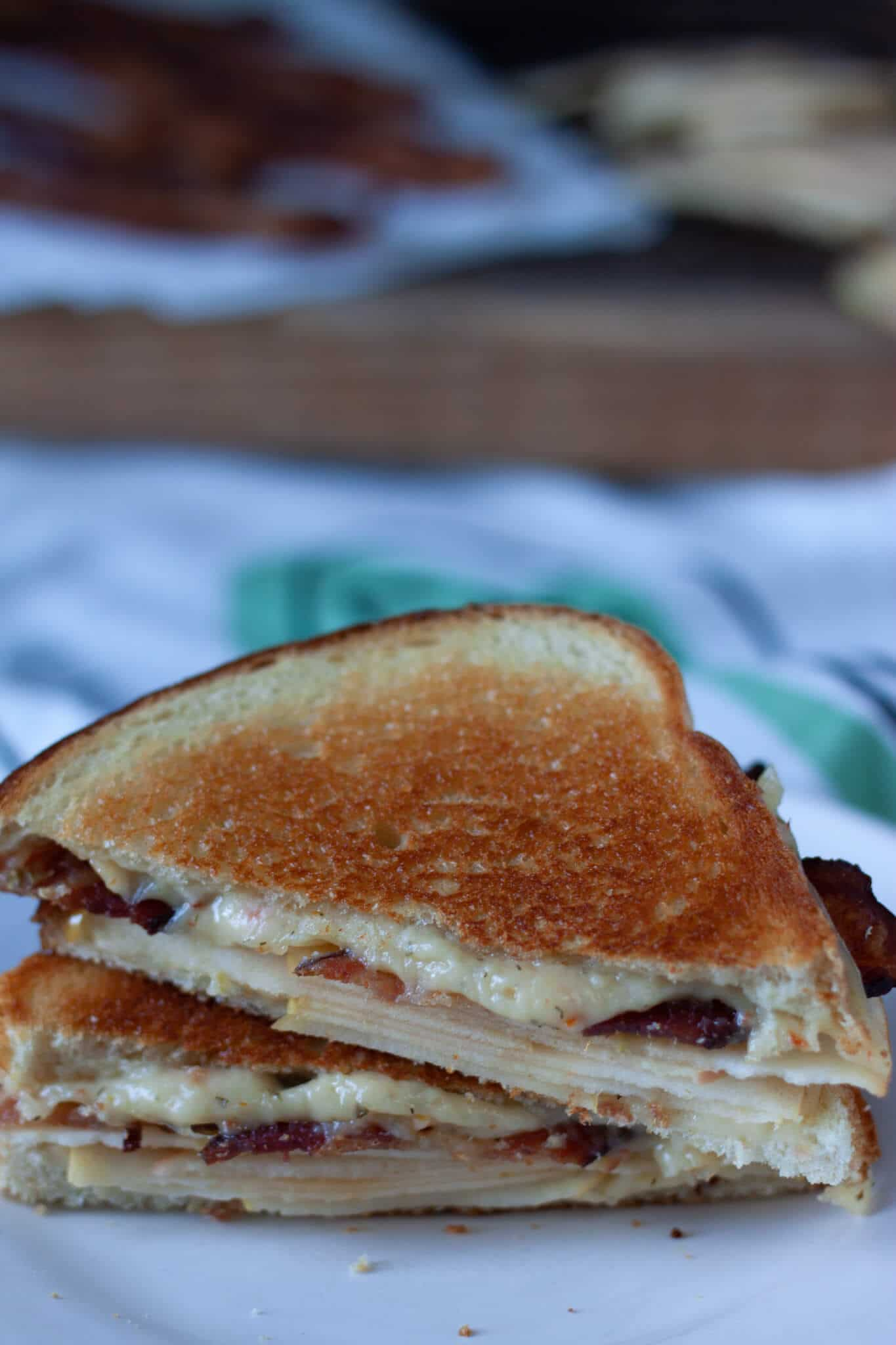 Harvest Bacon Apple Cheese Melt