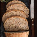 Pane ai semi e alle germe di grano