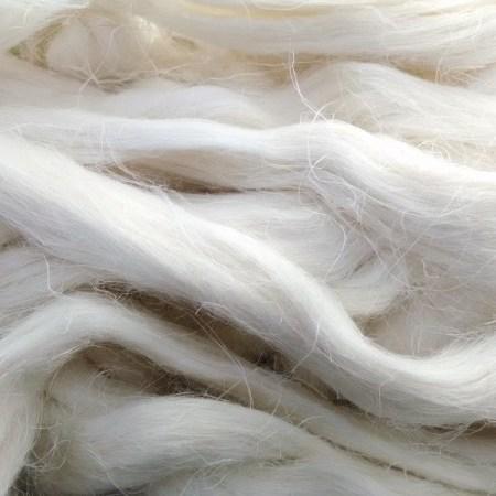 Bleached flax fiber