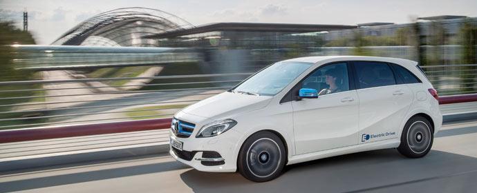 Mercdes-Benz vernetzt die elektrische B-Klasse mit Rund-um-Sorglos-Mobilität