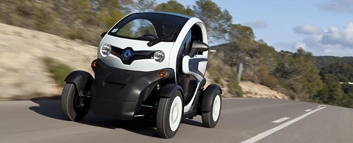 Im E-Car Renault Twizzy auf Teneriffa unterwegs