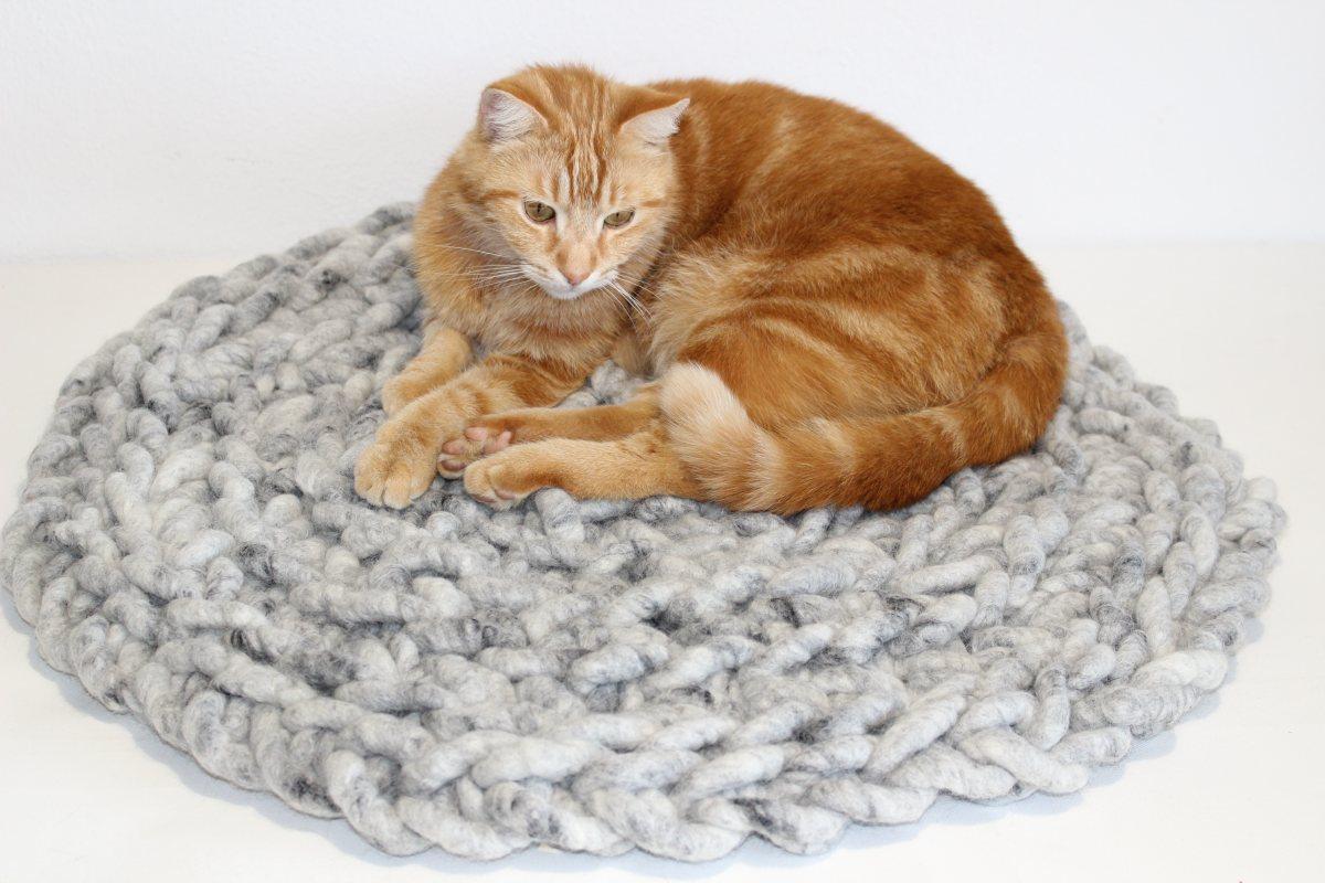 Katzenkissen RUNDSCHMEICHLER PERLGRAU