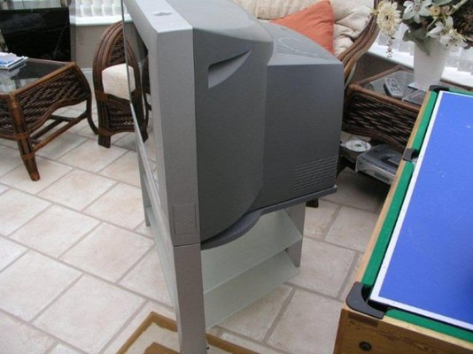 Philips 32 Flat Screen TV With Stand FREE MIG Welding Forum