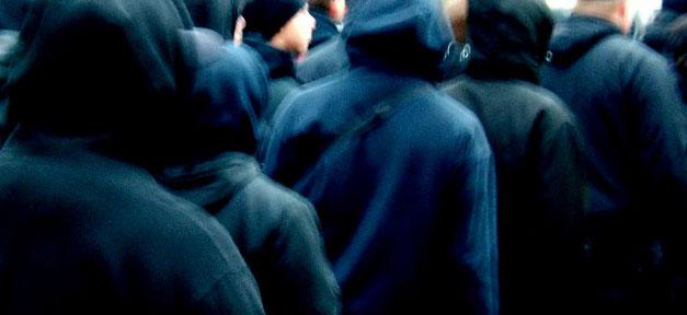 Eine Demonstration von Neonazis © Tim @ flickr.com (CC 2.0), bearb. MiG
