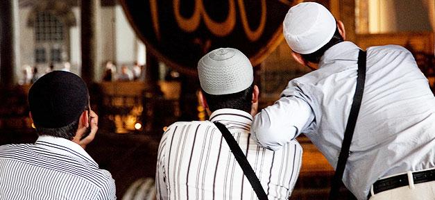 Muslime © Maks Karochkin @ flickr.com (CC 2.0), bearb. MiG