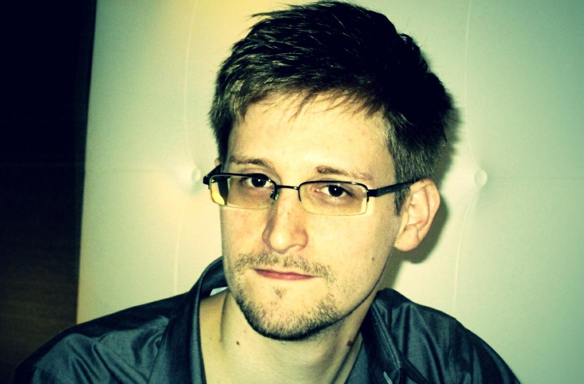 https://i2.wp.com/www.migliorblog.it/wp-content/uploads/2014/01/Edward-Snowden-pose.jpg