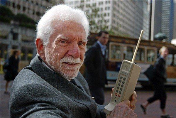 Motorola, il cellulare compie 40 anni
