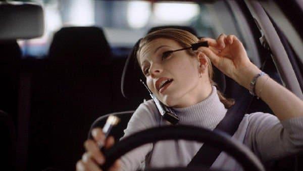 Incidenti stradali, colpa delle donne