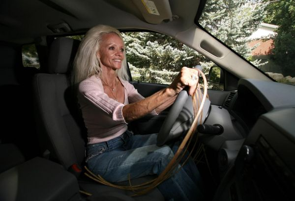 La donna con le unghie più lunghe del mondo