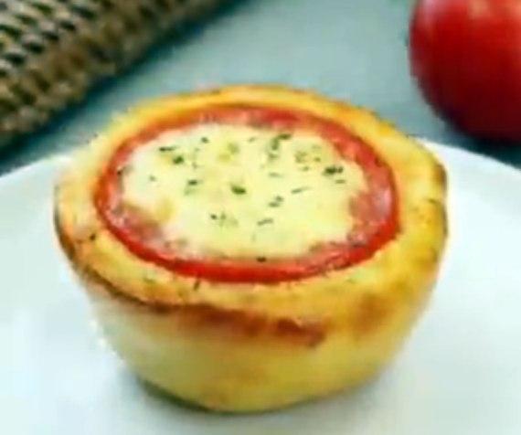 Tomates en costra con corazón de jamón y mozzarella