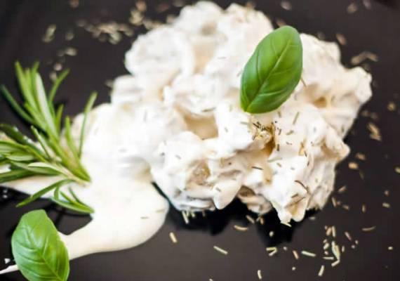 Ensalada de patatas con salsa de yogur