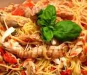 Pasta con salsa de galeras (Cocina italiana)