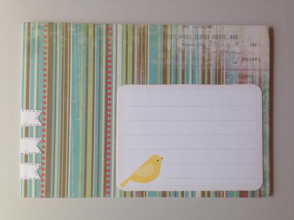 Yksi kirjekuorikin. Tykkään koristella ihan perusvalkoisia kirjekuoria papereilla ja koristeilla. Ja joskus sitten taas tykkään tehdä kuoren ihan kokonaan ite.