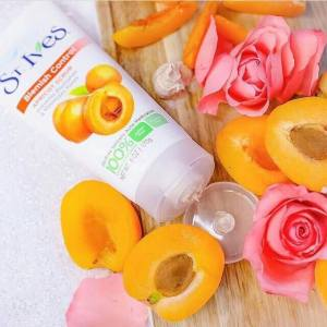 St Ives Apricot Scrub Review