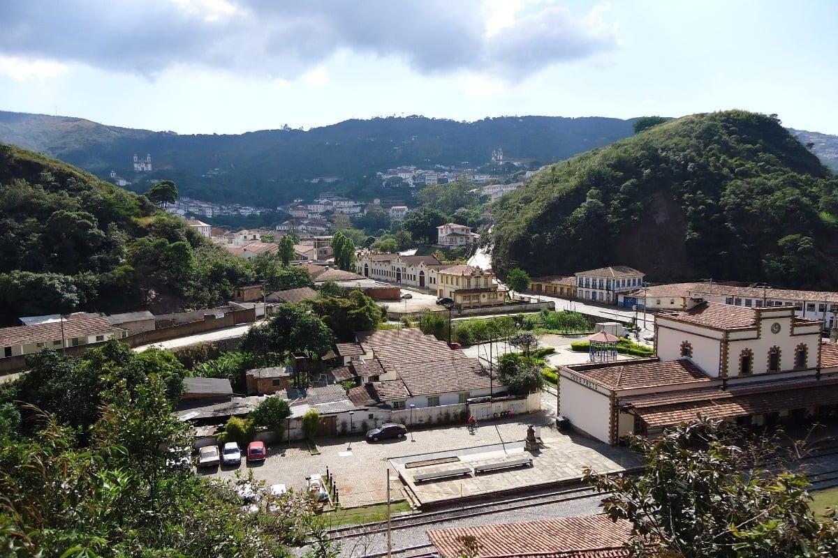 Treinstation met uitzicht Ouro Preto