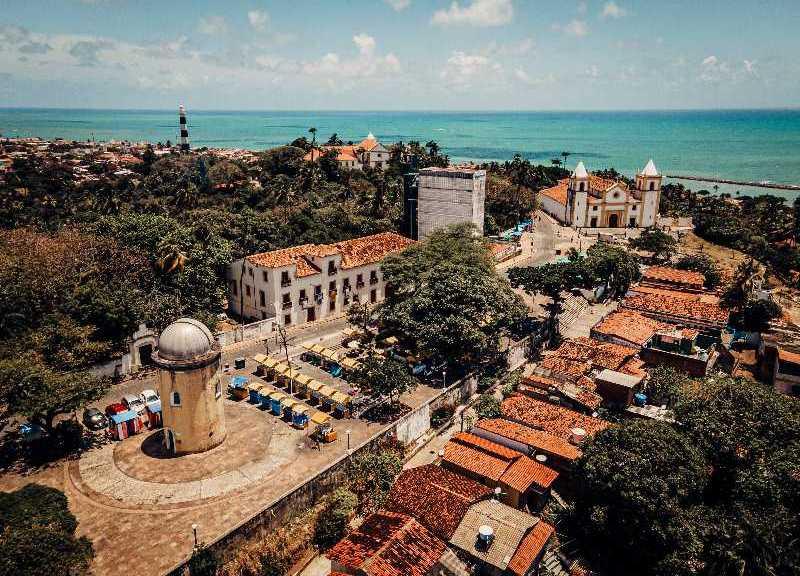 Drone foto van de stad Olinda in de Braziliaanse deelstaat Pernambuco