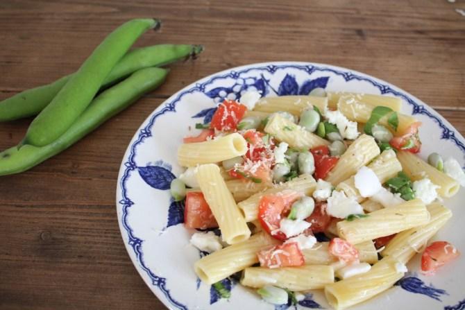 pasta met tuinbonen en tomaat