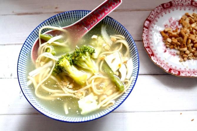 Miesoep met broccoli en boontjes